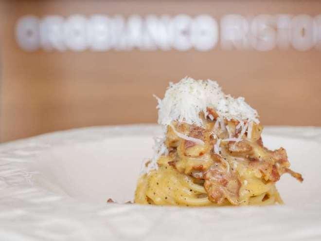 Spaghetti-alla-carbonara-de-Ferdinando-Bernardi-César-Tragaldabas